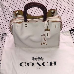 Coach Rouge in Chalk/Brass